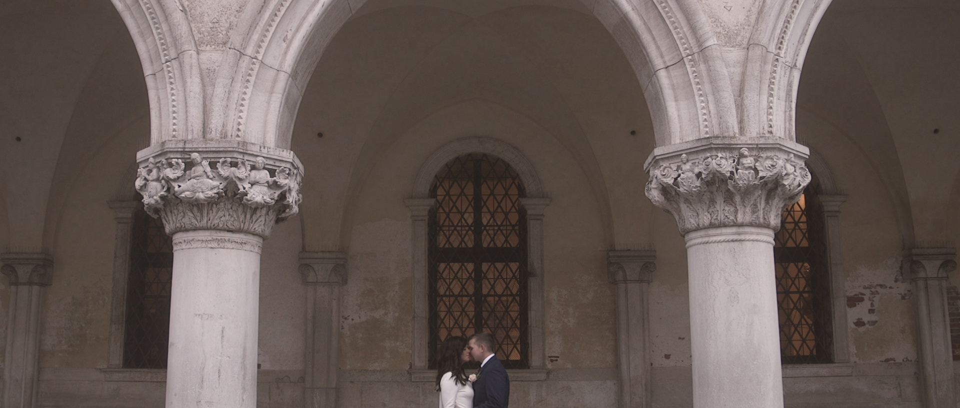 Ashleigh & Tyler elopement in Ca Sagredo Venice wedding highlights