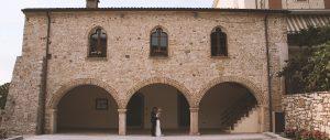 Video maker matrimonio Lago di Garda Casa degli Spiriti Andrea e Sabine If you are planning to celebrate your destination wedding in Tuscany, These are some amazing locations